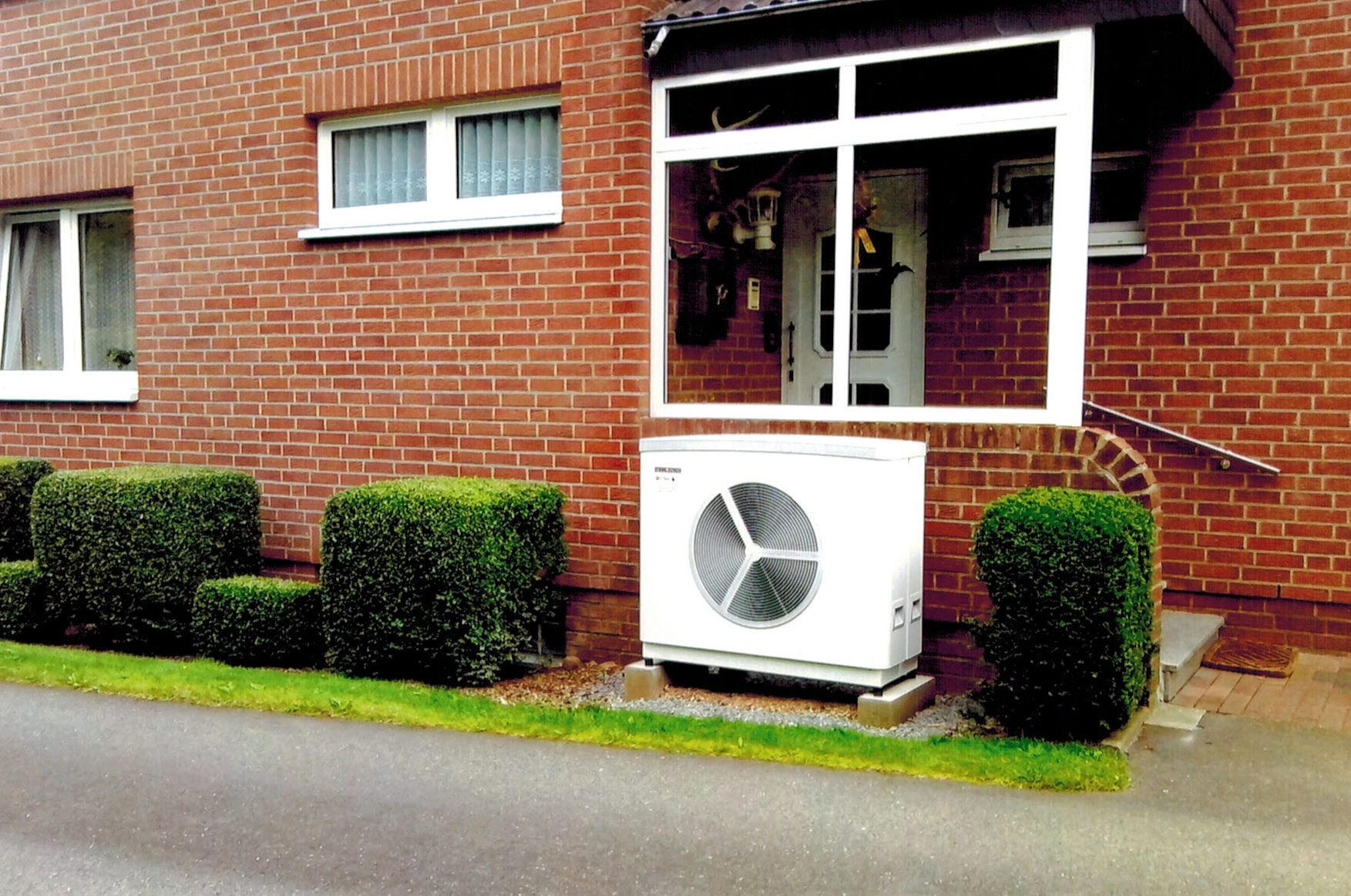 Luft-Wasser-Wärmepumpe Büro